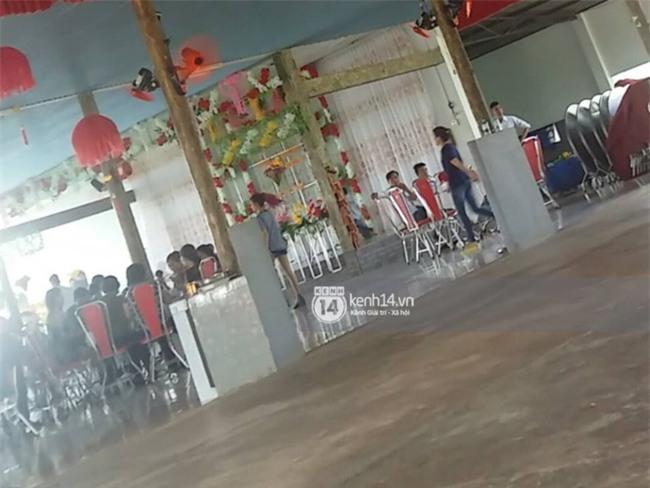 Không phải giỡn chơi hay quay MV, Khởi My - Kelvin Khánh đang làm đám hỏi tại nhà hàng ở Long Khánh! - Ảnh 1.