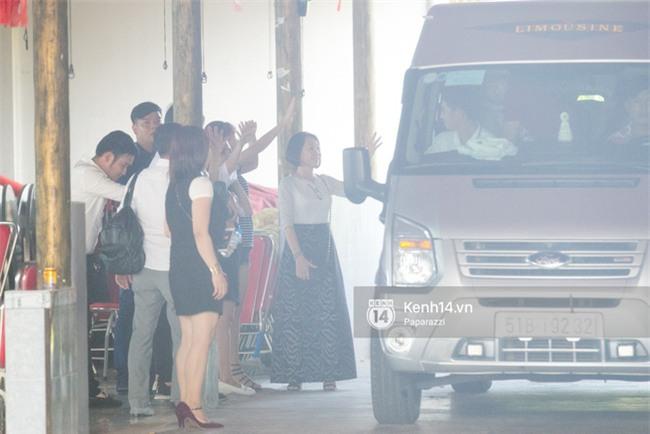 Không phải giỡn chơi hay quay MV, Khởi My - Kelvin Khánh đang làm đám hỏi tại nhà hàng ở Long Khánh! - Ảnh 4.