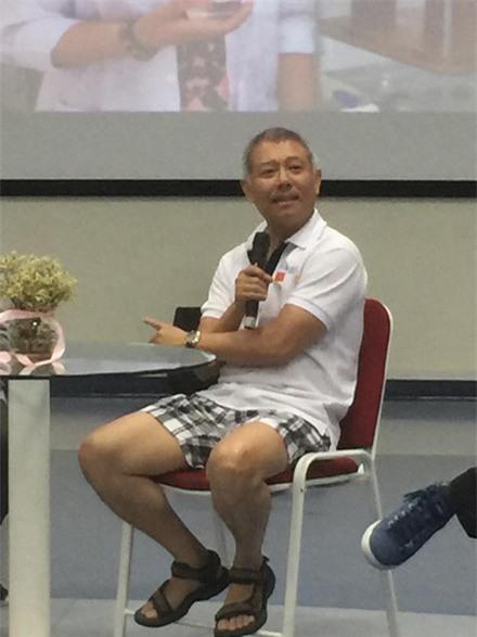 GS mac quan dui: Giao duc 'dong phuc' lam hoc tro khong dam nghi khac hinh anh 1