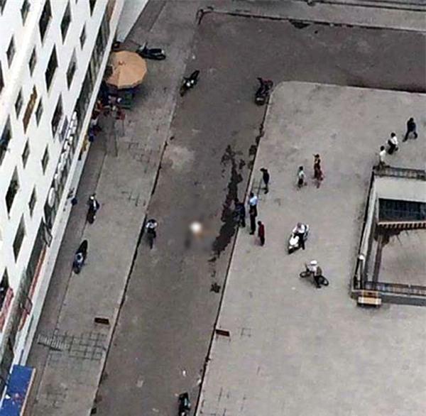 Hà Nội: Cô gái trẻ rơi từ tầng cao chung cư HH Linh Đàm xuống đất tử vong - Ảnh 2.