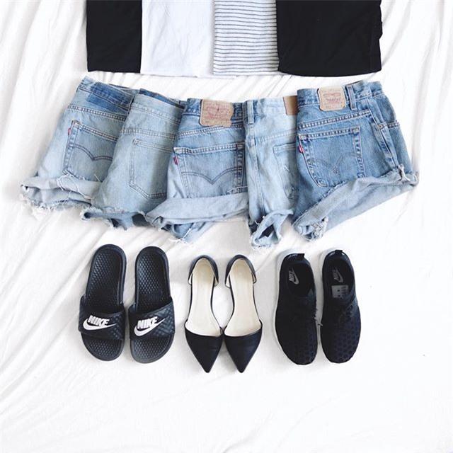 Đã diện shorts là phải diện cùng 4 kiểu giày dép này mới ra chất mùa hè - Ảnh 1.