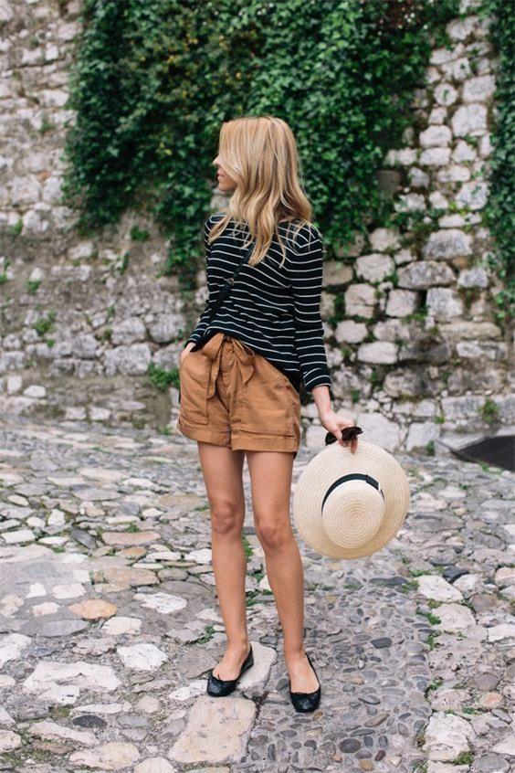Đã diện shorts là phải diện cùng 4 kiểu giày dép này mới ra chất mùa hè - Ảnh 2.