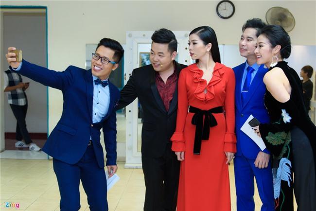 Quang Le soi nhan kim cuong khung cua Le Quyen, Dam Vinh Hung hinh anh 8