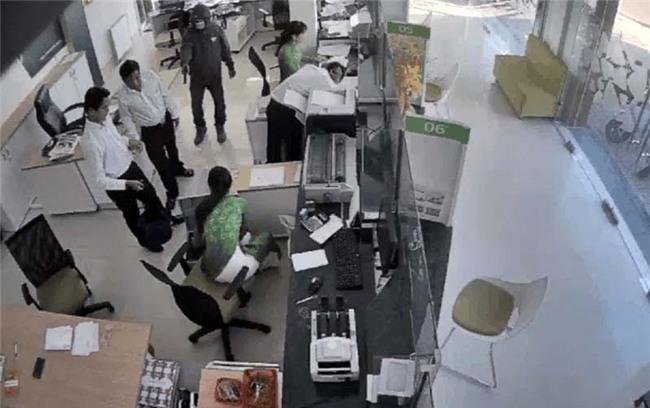 cướp ngân hàng, cướp ngân hàng ở trà vinh, cướp tiền, Trà Vinh