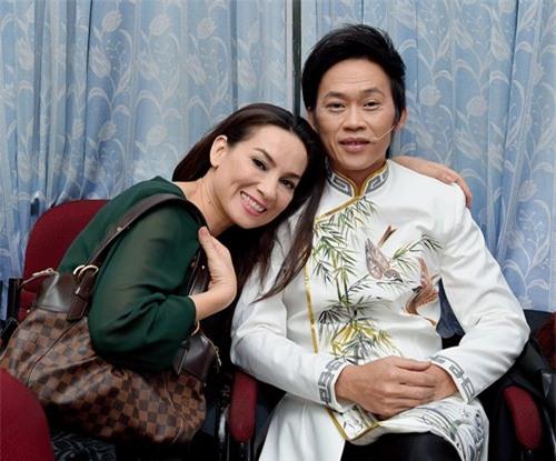 """Đây là người đẹp duy nhất dám """"nổi giận"""" với Hoài Linh trước trăm khán giả - 2"""