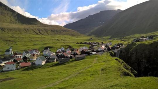 Sinh sống trên Quần đảo Faroe, người dân không phải lo về tội phạm và ô nhiễm. Ảnh: BBC