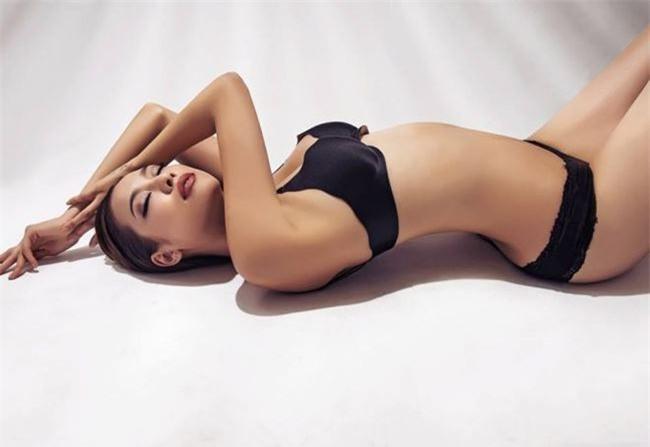 bi-che-dui-to-nhung-kieu-nu-viet-nay-van-mac-bikini-dep-sung-so-blogtamsuvn09