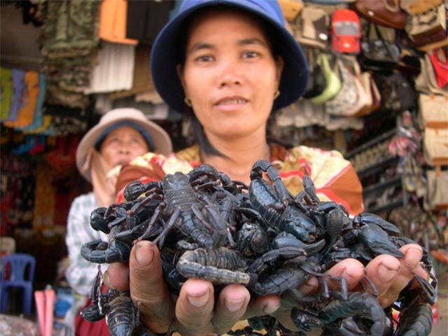chợ, khu chợ độc đáo, chợ đá quý, chợ côn trùng,