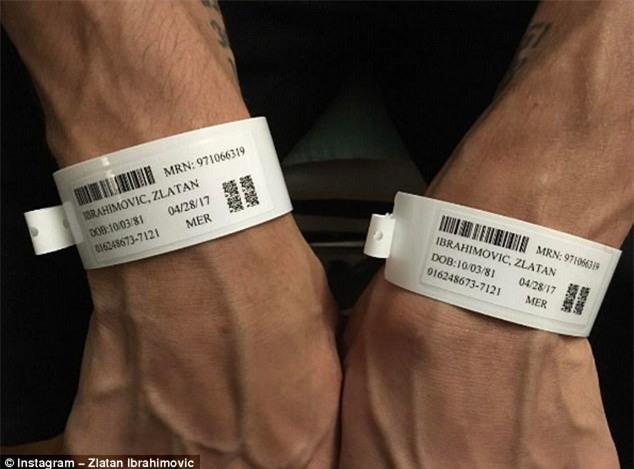 Ibrahimovic lộ ảnh sau phẫu thuật đầu gối - Ảnh 1.