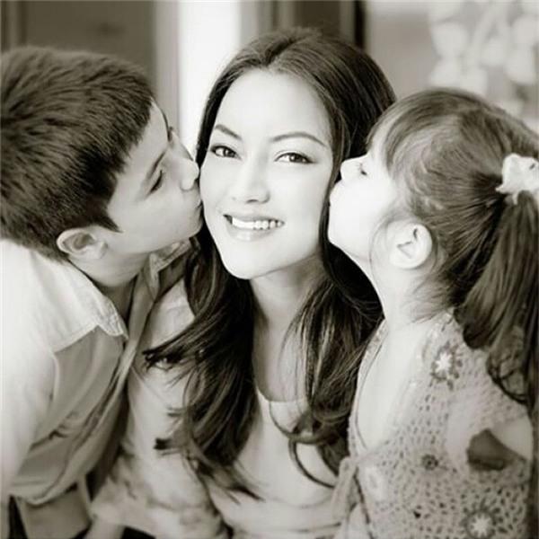 """Đây là mẹ của Jenna,người đã sinh ra hai đứa con với nhan sắc """"nghiêng nước nghiêng thành"""" này."""