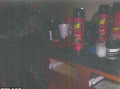 Mẹ bàng hoàng phát hiện thi thể con gái 16 tháng tuổi dưới ghế sau 30 giờ mất tích - Ảnh 2.