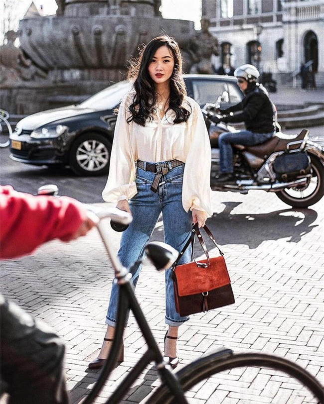 Có bao giờ bạn nghĩ quần jeans với giày cao gót lại hợp gu thế này? - Ảnh 15.