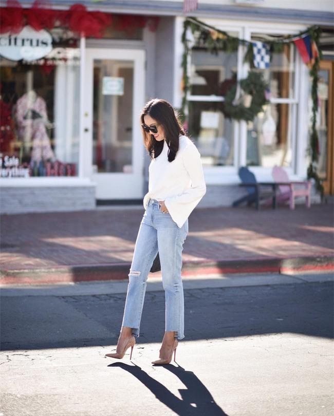 Có bao giờ bạn nghĩ quần jeans với giày cao gót lại hợp gu thế này? - Ảnh 16.