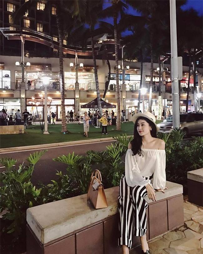 Phạm Hương, Thu Thảo, Kỳ Duyên: Hóa ra nghỉ lễ là dịp để các nàng Hậu khoe street style giản dị hết nấc! - Ảnh 7.
