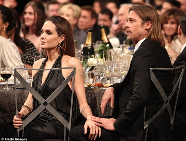 Brad Pitt đau xót thừa nhận thói nghiện ngập khiến gia đình của anh với Angelina Jolie tan vỡ - Ảnh 2.