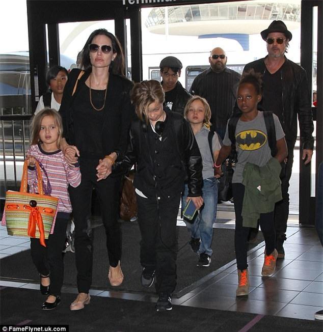 Brad Pitt đau xót thừa nhận thói nghiện ngập khiến gia đình của anh với Angelina Jolie tan vỡ - Ảnh 3.