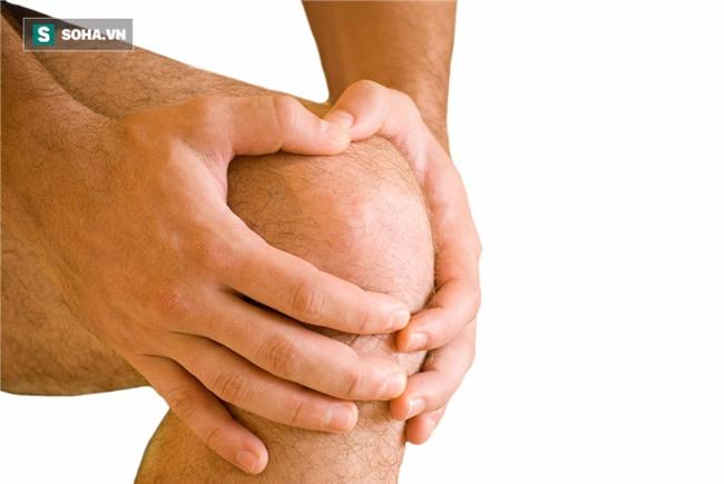 88 tuổi gãy chân, 2 tháng đã hồi phục: GS Đông y nổi tiếng tiết lộ 3 bí quyết khoẻ xương - Ảnh 1.