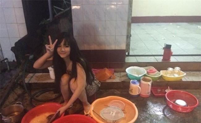 'Hot girl rua bat' Viet bat ngo duoc bao Han khen xinh, cham chi hinh anh 1