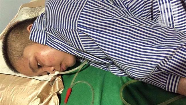Người mẹ nằm liệt giường, để 2 con thơ bơ vơ sau tai nạn giao thông - Ảnh 2.