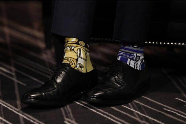 Thủ tướng điển trai của Canada đi tất hoạt hình 2 màu trong cuộc gặp Thủ tướng Ireland - Ảnh 2.