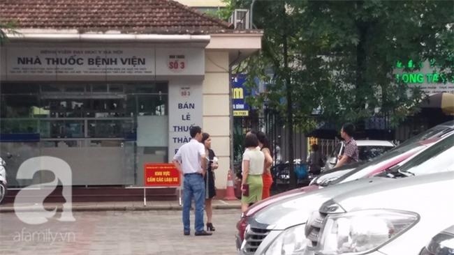 Hà Nội: Hàng chục thanh niên xông vào bệnh viện khống chế bác sĩ, tấn công bệnh nhân - Ảnh 1.