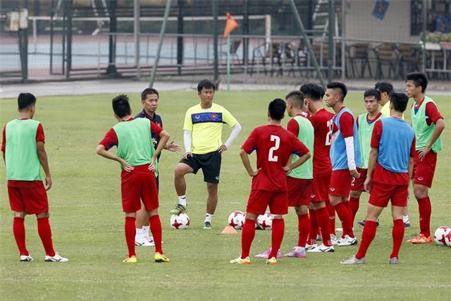 HLV Hoàng Anh Tuấn đã lựa chọn xong danh sách 21 cầu thủ dự World Cup - Ảnh: Gia Hưng