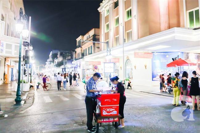 Những xe kem ống Hội An bảy màu giữa phố đi bộ tô thêm niềm vui giản dị cuối tuần - Ảnh 10.