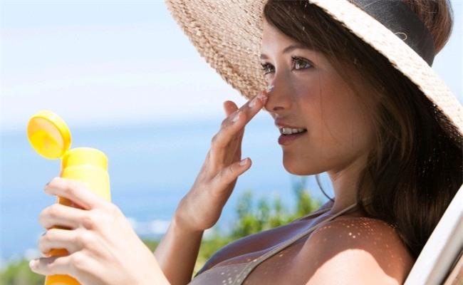 Nếu quá bận rộn không có thời gian đi spa chăm sóc da, hãy áp dụng 6 cách sau để da luôn tươi trẻ - Ảnh 3.