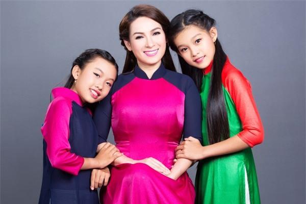 Phi Nhung: Không lấy chồng, cực nhọc mua nhà cho 5 con riêng của mẹ và chăm sóc 17 con nuôi - Ảnh 7.