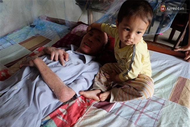 Cuộc sống khốn khó của người chồng liệt giường suốt 2 năm, từng muốn chết để vợ con bớt khổ - Ảnh 8.