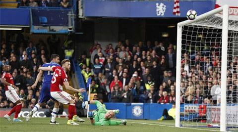 Costa bỏ lỡ cơ hội