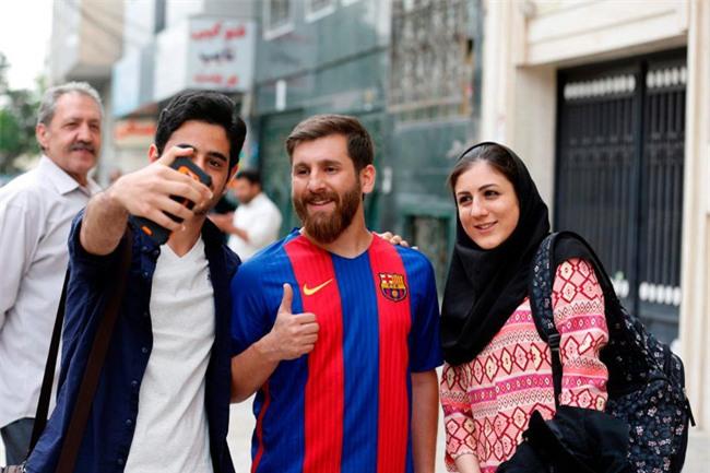 Sinh viên người Iran bị cảnh sát bắt giữ vì quá giống Messi - Ảnh 2.
