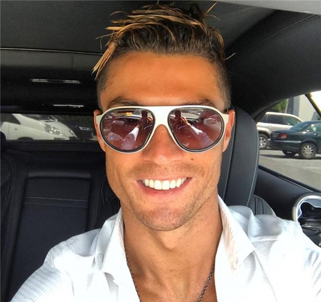 Ronaldo va ban gai nong bong trong ky nghi ngan ngay hinh anh 8