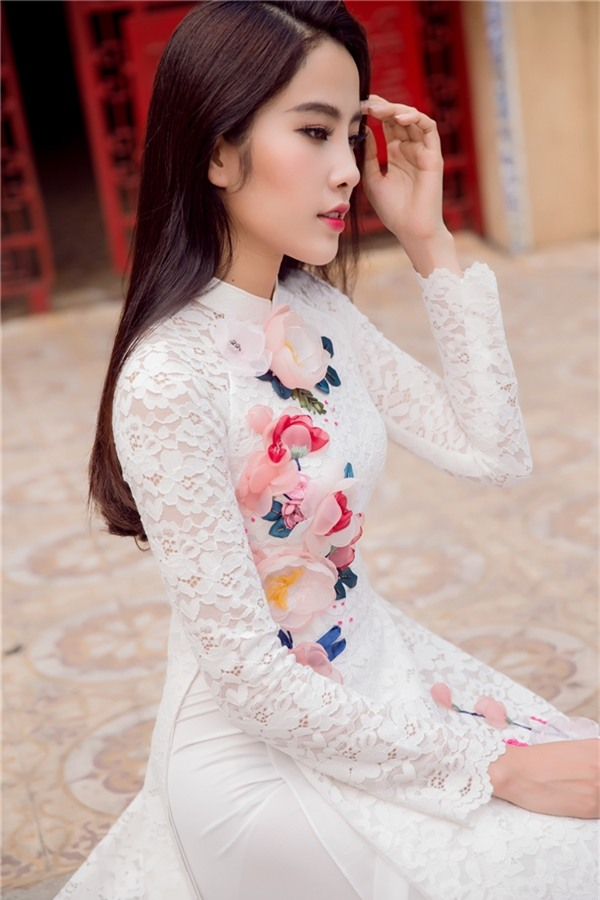 Nam Em đẹp thuần khiết trong tà áo dài truyền thống - Tin sao Viet - Tin tuc sao Viet - Scandal sao Viet - Tin tuc cua Sao - Tin cua Sao