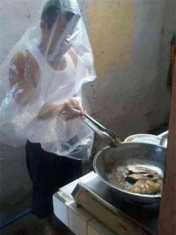 Dâu đảm ra mắt bằng món cá rán nát vụn như mì, mẹ chồng khen sắp làm đầu bếp được rồi - Ảnh 2.