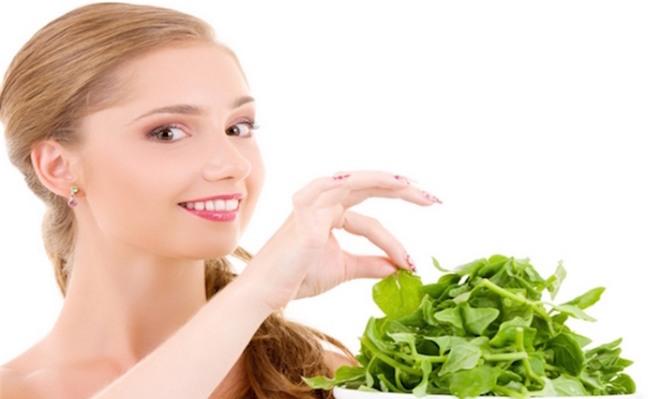 5 cong dung than ky cua rau chan vit cho sac dep 5 5 công dụng rất thần kỳ của rau chân vịt cho sắc đẹp