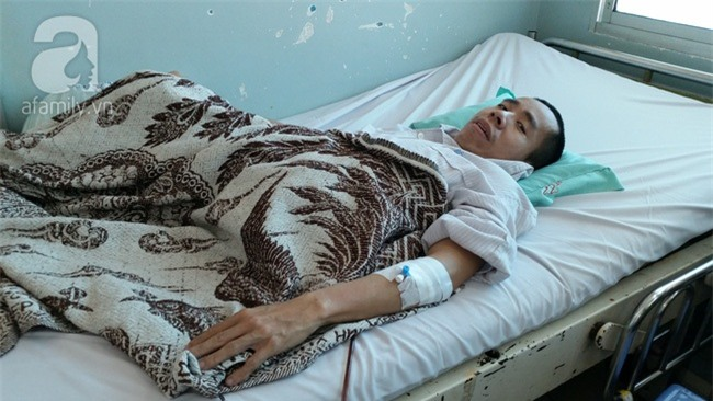 Người em trong cặp song sinh Việt - Đức phải phẫu thuật tạo hình niệu quản - Ảnh 2.