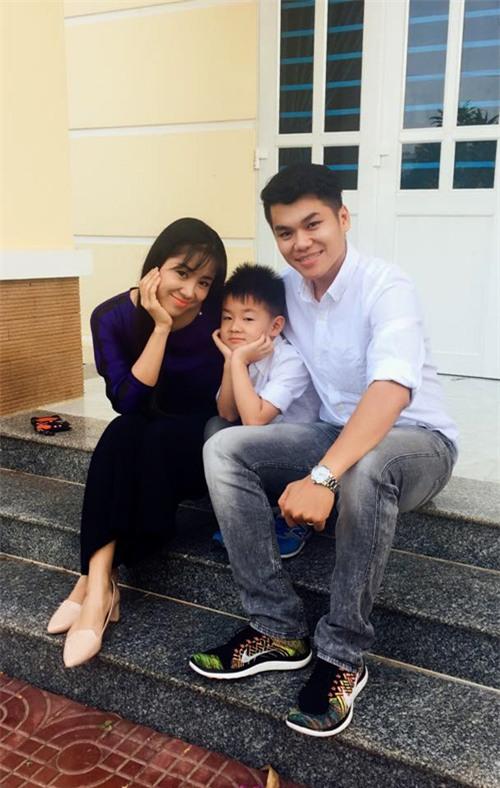 Lê Phương đang hạnh phúc viên mãn bên phi công trẻ