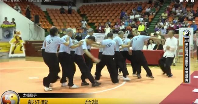 """Võ sĩ MMA thứ 2 """"to gan"""" sỉ nhục võ Trung Quốc: Sốc liên hoàn - 2"""