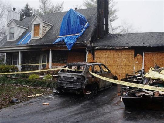 Bí ẩn loạt xe hơi BMW tự cháy khi đang đậu - Ảnh 1.