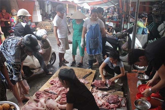 Thịt lợn, thịt lợn giá rẻ, kinh doanh thực phẩm, hắt dầu luyn vào thịt lợn