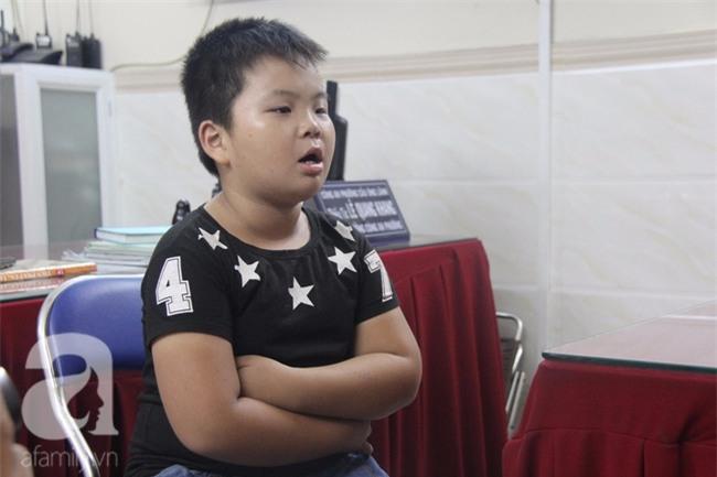 Bé trai 9 tuổi đi lạc 3 ngày, mẹ bận đi làm không đến đón, dì lên nhận thay nhưng không được - Ảnh 7.