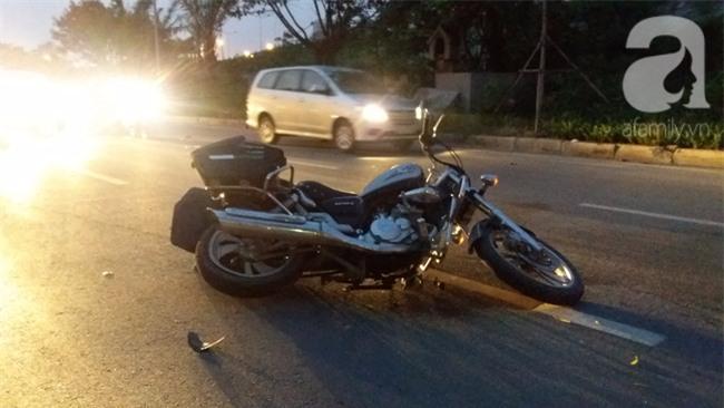 Hà Nội: Xe ô tô điên tông hàng loạt xe máy, xe đạp khiến ít nhất 5 người nhập viện - Ảnh 8.