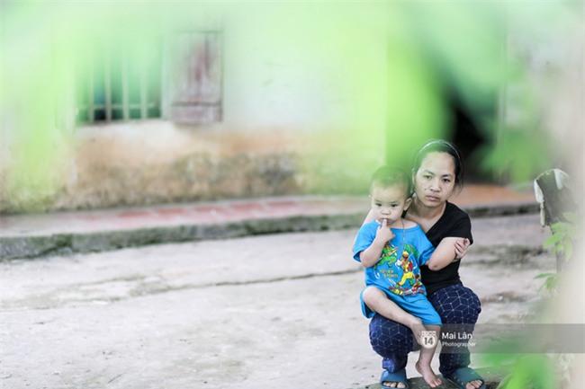 Chuyện người mẹ tay cụt, chân khèo vẫn mạnh mẽ nuôi con trong đơn độc sau khi bị phụ bạc - Ảnh 6.