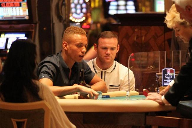 Rooney chơi bạc khát nước, thua gần 15 tỷ đồng chỉ trong 2 giờ đồng hồ - Ảnh 1.