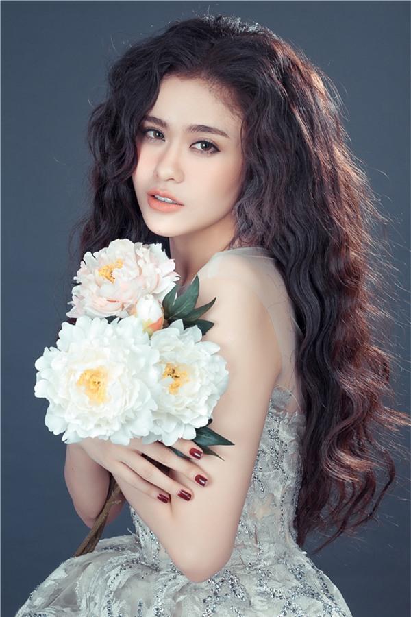 Không cần hở, Trương Quỳnh Anh vẫn đẹp vạn người mê