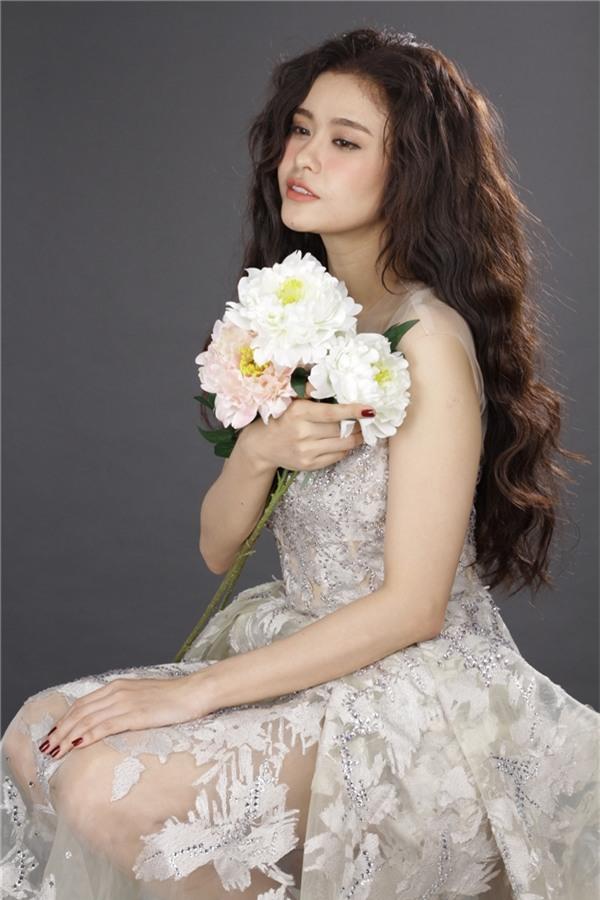 Trương Quỳnh Anh, tiết lộ thêm với kế hoạch lần này, cô đã phải từ chối rất nhiều dự án khác để tập trung cho sự trở lại của mình một cách tốt nhất.