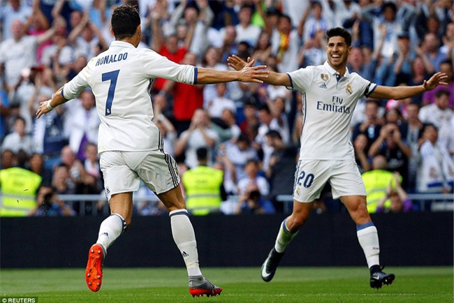 Ronaldo lập kỷ lục ghi 400 bàn cho Real Madrid - Ảnh 4.