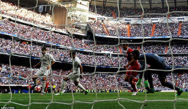 Ronaldo lập kỷ lục ghi 400 bàn cho Real Madrid - Ảnh 6.
