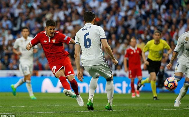 Ronaldo lập kỷ lục ghi 400 bàn cho Real Madrid - Ảnh 7.
